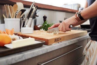 Tehnici franțuzești pe care ar trebui să le utilizezi în bucătărie http://www.antenasatelor.ro/curiozit%C4%83%C5%A3i/tehnologie/8602-tehnici-fran%C8%9Buze%C8%99ti-pe-care-ar-trebui-sa-le-utilizezi-in-bucatarie.html