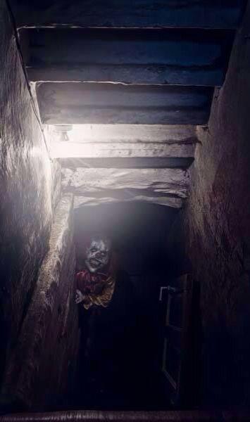 Go Downstairs Clown Fear Dark Creepy Things Evil
