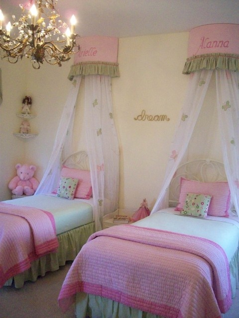 Twin beds for girls rooms