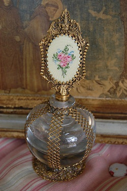 Botella de perfume del vintage por Maison Douce en Flickr.
