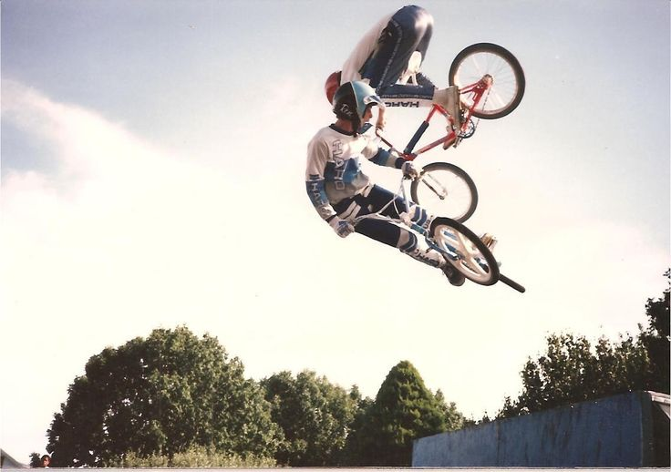 Team Haro 1986 / Ron Wilkerson & Brian Blyther double air!