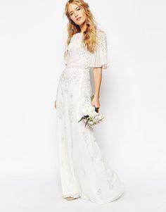 Ihr sucht ein Hochzeitskleid für eine kleine Trauung und kleines Budget, aber dennoch festlich? Asos & Zalando haben viele wundervolle weiße Kleider aus fließenden Stoffen. Schaut vorbei :) ich liebe dieses Kleid!