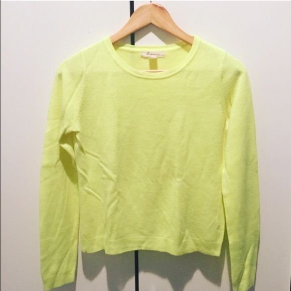 Cute Lime Sweater Size:S LIKE NEW This listing is for a Forever 21 Sweater. Size: Small Color: Electric Lime 🍋 Material: Acrylic Condition: Like New Perfect color to make fall exciting and bright!! Also ideal for fun layerings // 15% off on bundles // I ship same-day from pet/smoke-free home. Buy with confidence. I am a top seller with close to 400 5-star ratings and A LOT of love notes. Check them out. 😊😎 Forever 21 Sweaters Crew & Scoop Necks