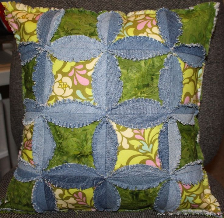 ~For 1000 free patterns, click on the FREE PATTERNS  tab at the top of this page!~  We have written five articles on quilts made from recycl...