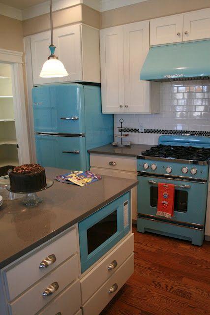 i want that fridge and stove!