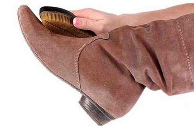 Замшевая обувь - это очень красиво и элегантно. Но, к сожалению, в наших погодных условиях замшевая обувь легче любой другой страдает от слякоти и грязи на дорогах. На ней остаются загрязнения, соляные разводы и даже масляные пятна. И поэтому многие отказываются от такой красивой обуви в пользу боле