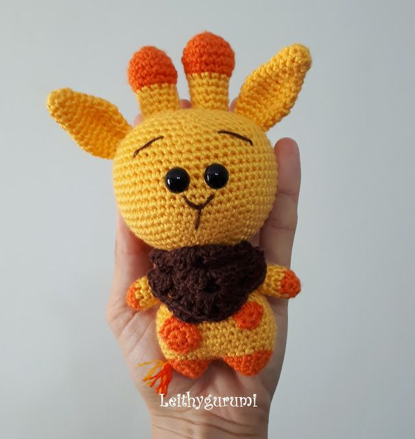Leithygurumi: Cute Little Giraffe English and Turkish Pattern