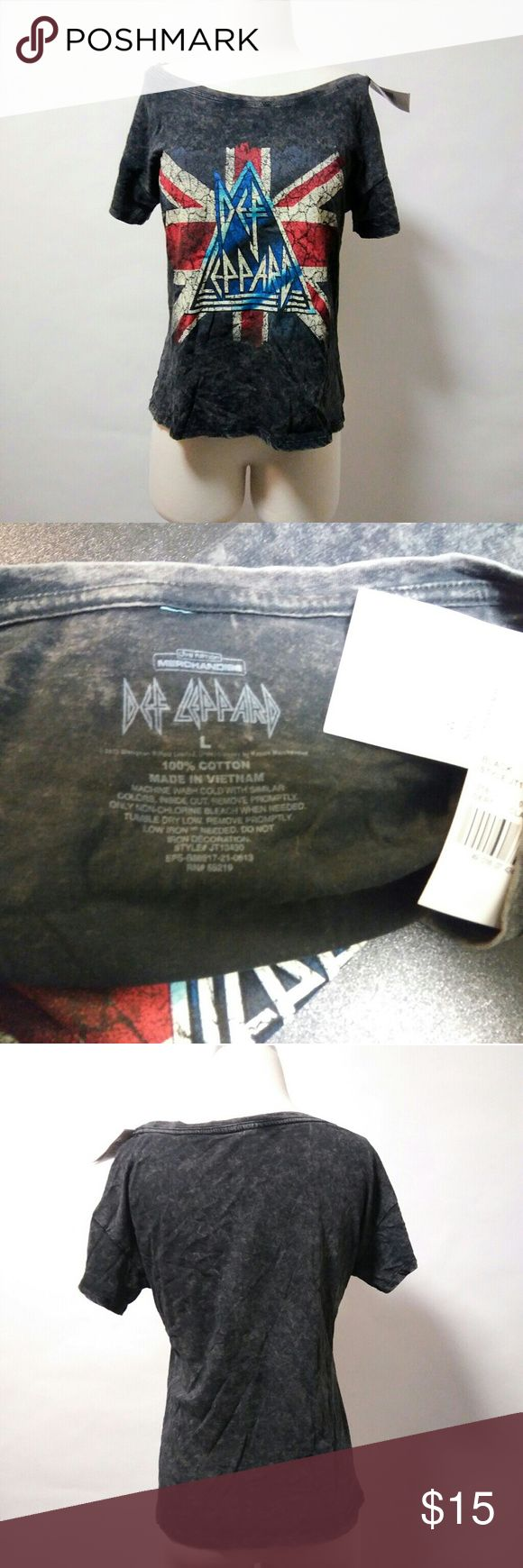 Vintage 80's style DEF LEPPARD t-shirt NWT New with tags  Chest-40 inches Length-21 inches Tops Tees - Short Sleeve