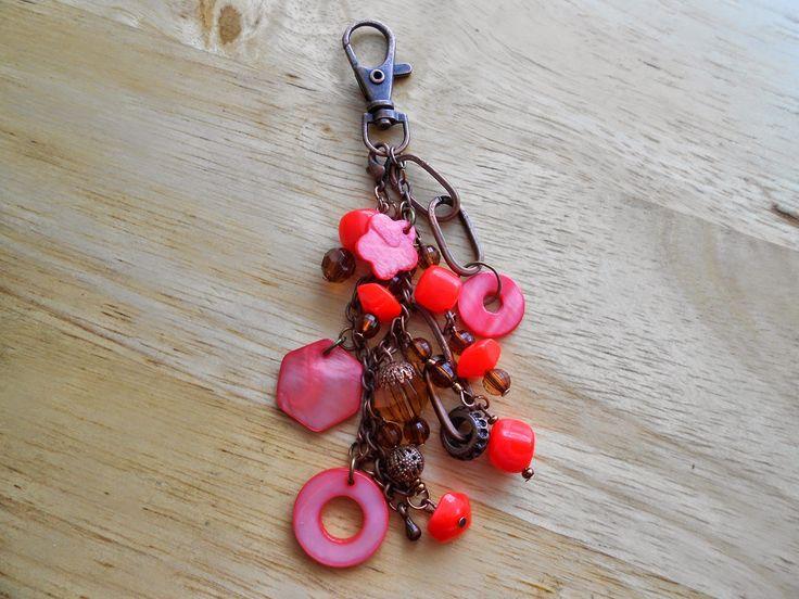 Izabela craftwork ... red handbag charms:http://izabelacraftwork.blogspot.ro/2014/07/handbag-charms.html