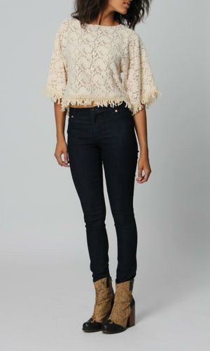 High Waisted Jeans Outfits That Flatter Every Body Type: Bohemian Look in High Waisted Jeans