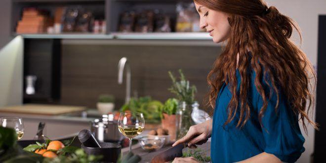 I piani cucina in quarzo sono pericolosi per la salute? Il Ministero francese risponde e confonde le idee. Troppi dubbi restano