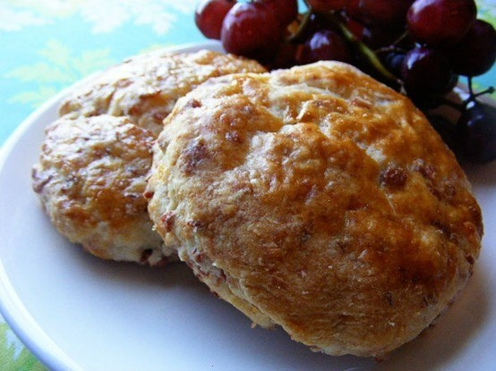 BUTTERMILK BACON CHEDDAR BISCUITS...BUT I'LL USE REAL BACON, THANK YOU ...