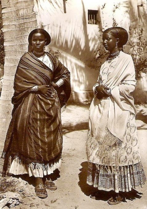 Somali fashion back then was so much better.