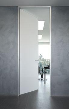 Private firm Gallarate | Uffici Rimadesio: porte scorrevoli in vetro e alluminio, librerie, cabine armadio