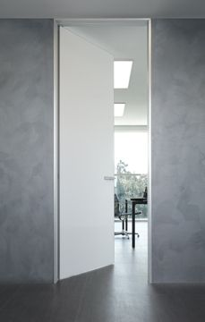 Private firm Gallarate   Uffici Rimadesio: porte scorrevoli in vetro e alluminio, librerie, cabine armadio