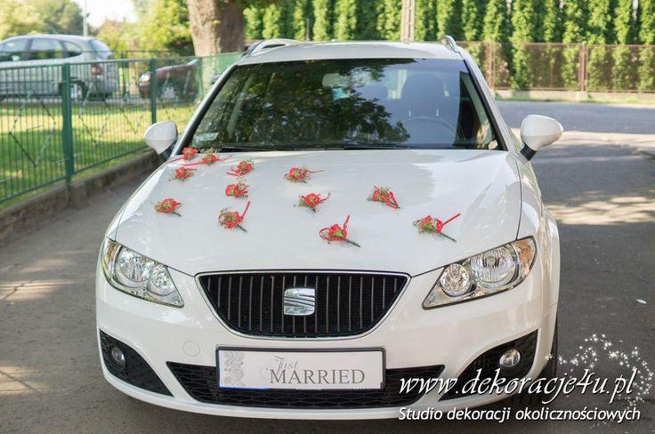 Dekoracja samochodu - czerwone goździki - www.dekoracje4u.pl