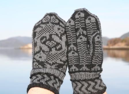 fish-mittens