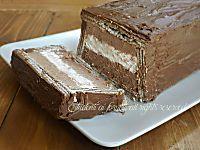 Semifreddo ai wafer con panna e cioccolato