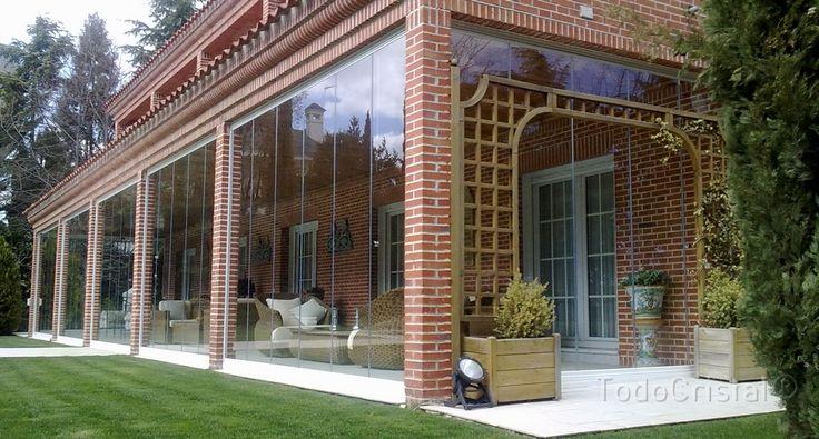 3000mm high frameless glass patio enclosure