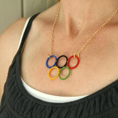 #Olympic Rings Necklace {Tutorial} # Olympics http://www.tipjunkie.com/post/olympic-rings-necklace-tutorial/