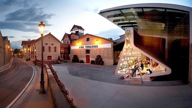 Lugares con historia, renovados por arquitectos de prestigio, para ofrecer no solo buenos vinos sino espacios para disfrutar