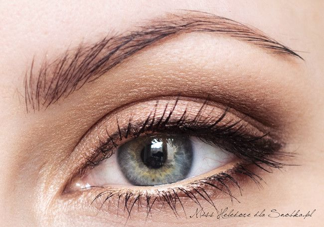 Natural slightly winged eye makeup for grey eyes.