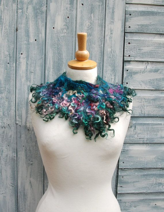 1000 idées sur le thème Bijoux Feutrés sur Pinterest  Collier En ...