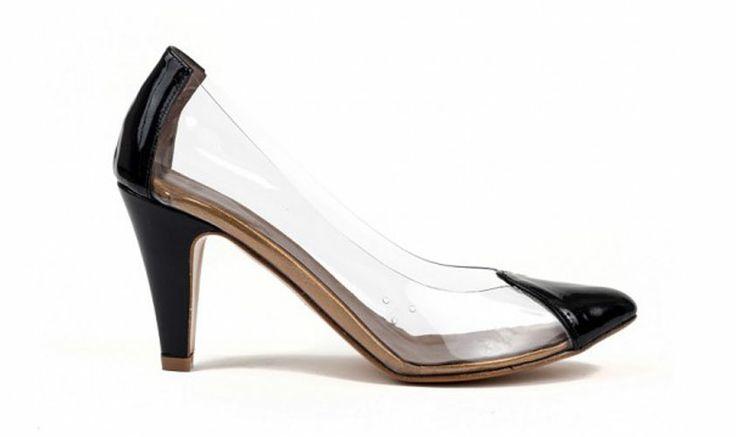 Tendance chaussure transparente, pour ou contre ? http://www.lesjoliesgambettes.fr/article/chaussure-transparente-printemps-ete-2014.php