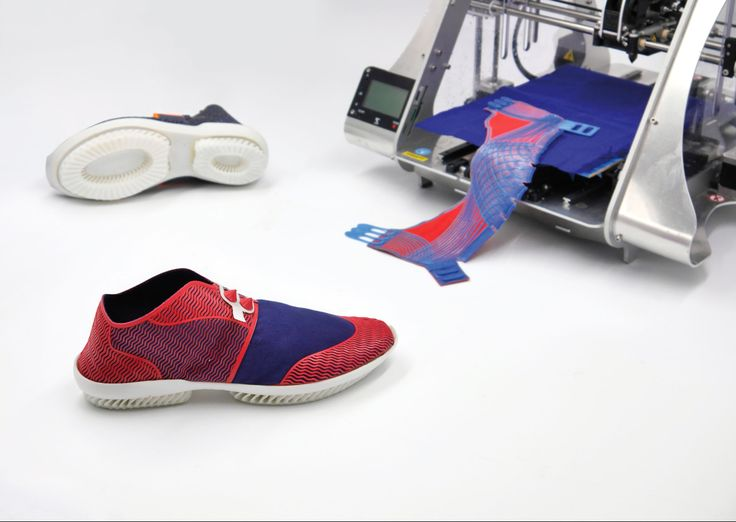 Zuzanna Gronowicz and Barbara Motylińska created a way to 3D print shoes from biodegradable materials in a project called Shoetopia.