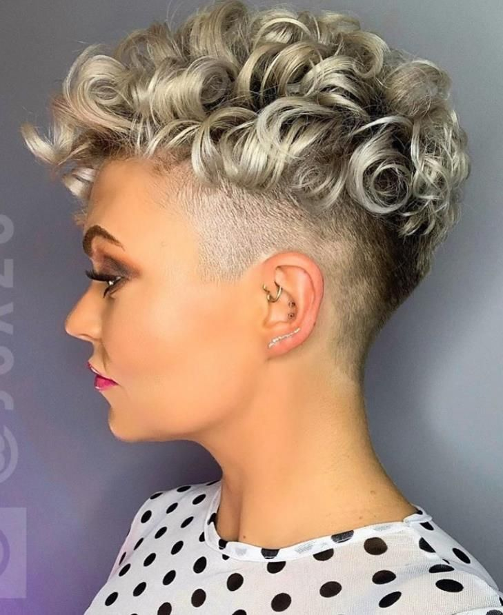 36 Pretty Fluffy Short Hair Style Ideas For Short Pixie Haircut Latest Fashion Trends For Woman Curly Pixie Haircuts Hair Styles Short Pixie Haircuts