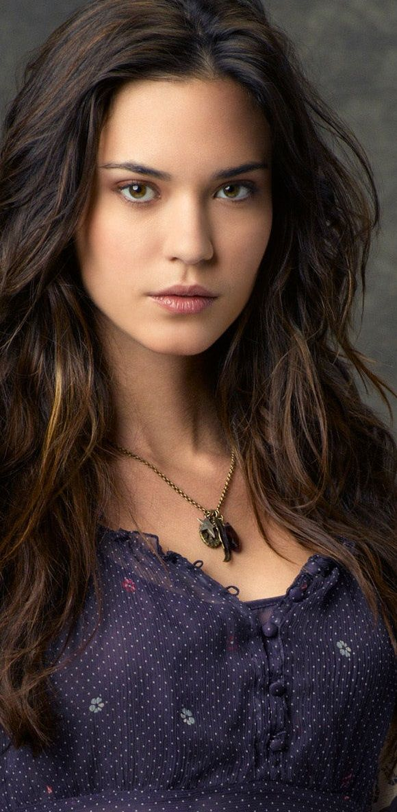Rachel Sullivan (Odette Annable), social anthropologist. Sassy and spirited. Mated to Donovan O'Roarke. (Twilight Vows, Maggie Shayne)