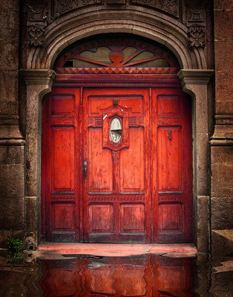 #Looking for some inspirational door ideas for your #renovation project, here's some #doors from around the world -  El Petén, Guatemala http://www.myrenovationmagzine.com
