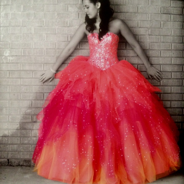 Prom dress kingston station