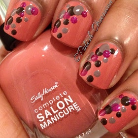 this is so cute i love this nail design!!! (: