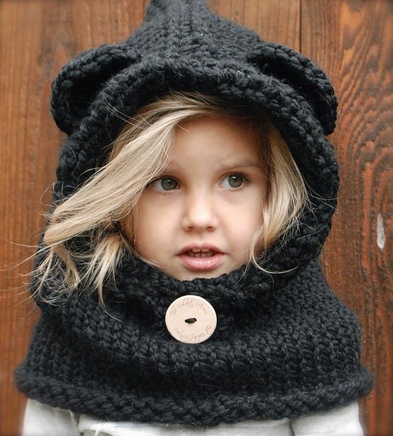 This knitted hood is way too cute!