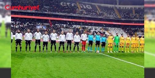TFFden saygı duruşu kararı! : Türkiye Futbol Federasyonu Kayserideki saldırıda hayatını kaybedenler için maçlardan önce saygı duruşu yapılacağını ve bütün kulüplerin siyah kol bandı takabileceğini bildirdi.  http://www.haberdex.com/turkiye/TFF-den-saygi-durusu-karari-/129263?kaynak=feed #Türkiye   #saygı #duruşu #bütün #yapılacağını #kulüplerin