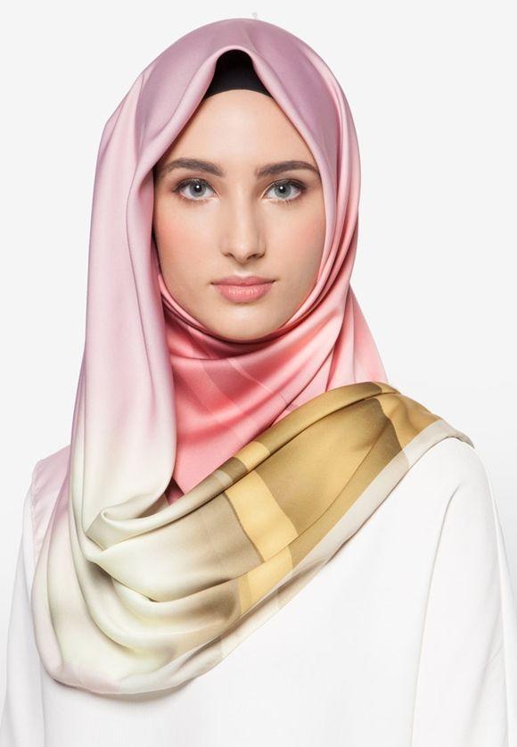 Tudung Bawal Premium Exclusive Aurora Satin Shawl Italian Pucci By Cloverush Fesyen Tudung Terkini 2016 & 2017 1  Boleh beli di sini : http://invl.co/9tr