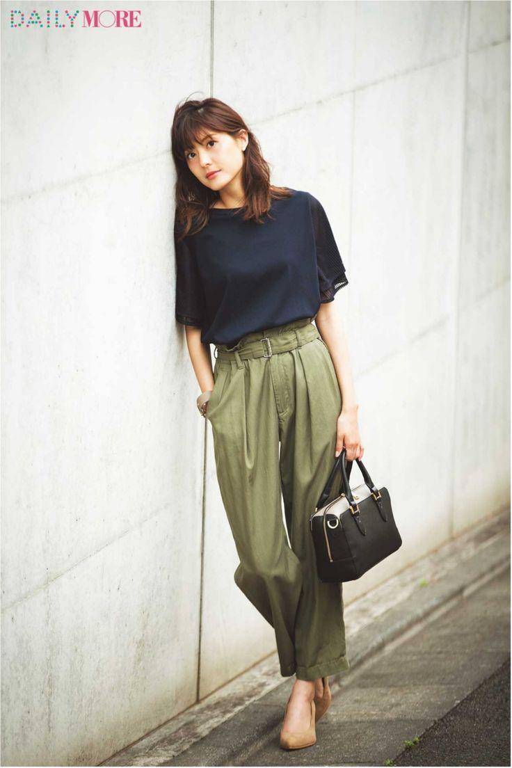 『ユニクロ』と『ViS』とTシャツと。通勤コーデの強〜い味方が話題! 今週の人気ランキングトップ3☆ | ファッション(コーディネート・流行) | DAILY…