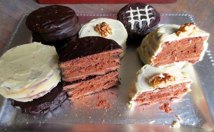 Alfajores Marplatenses, gâteaux fourrés, le plus souvent de dulce de leche (confiture de lait), et enrobés de chocolat ou nappés de meringue dont les argentins raffolent #alfajores #argentinafood
