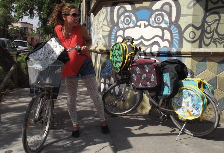Alforjas para bicicleta ba?  redondas y rectangulares    lugar-CasaMatriz-Santiago  modelo-Karol Blum Piracés