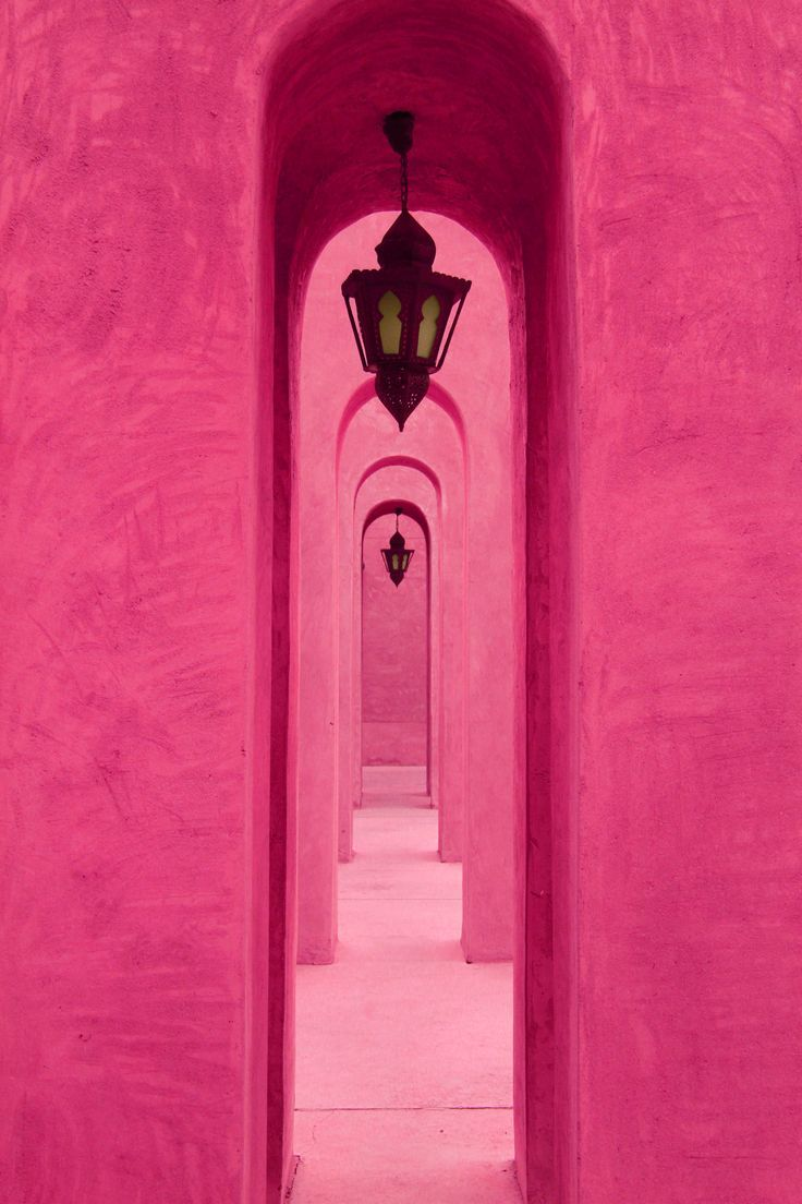 Pink arches in Dubai. #pink #travel