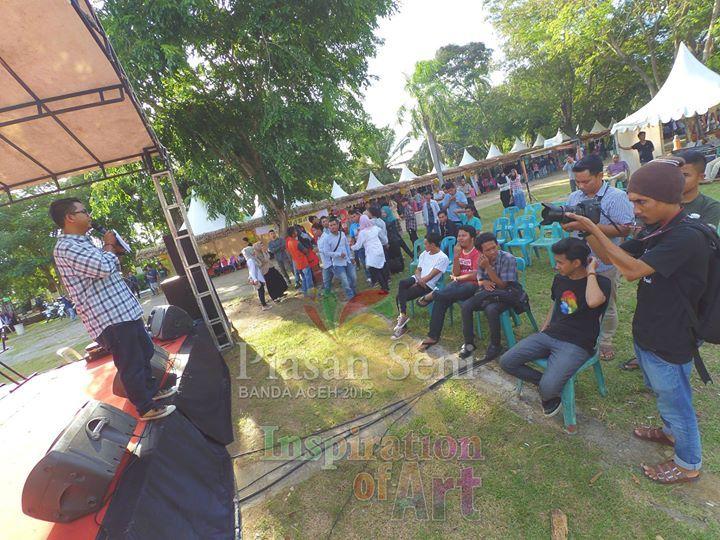 Panggung Apresiasi Seni Piasan Seni Banda Aceh 2015 #piasanseni - Piasan Seni Banda Aceh 2015 http://on.fb.me/1ifHj8G Get more on Piasan Seni Facebook FanPage http://on.fb.me/1gq4yeY ============== OFFICIAL UPDATES ABOUT PIASAN SENI BANDA ACEH 2015 ------------------------ www.piasanseni.org info@piasanseni.org (mail) @piasanseni (twitter/Instagram/tumblr/Pinterest) 58780415  C002DE7E3 (BBM) Piasan Seni Banda Aceh 2015 (http://bit.ly/1F1xLsB : Facebook Page) or (http://bit.ly/1ifHj8K…