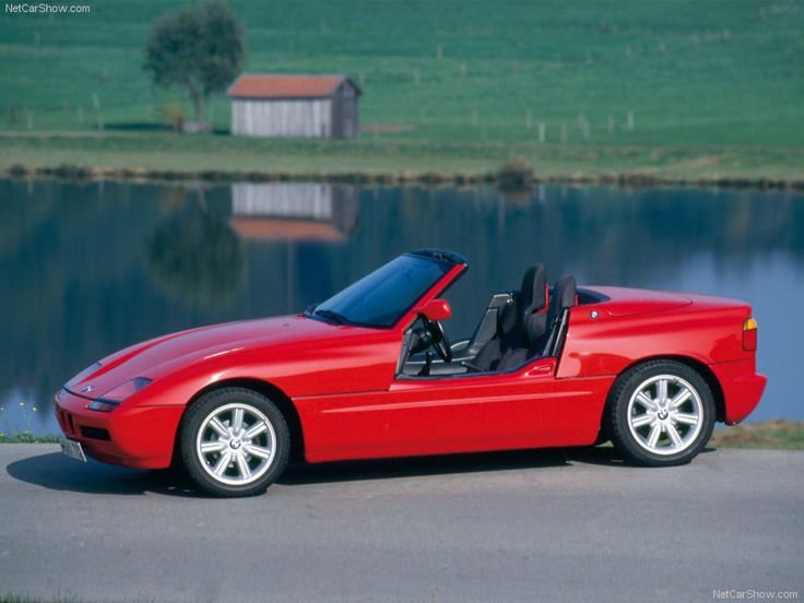 BMW Z1 1988 , though quite cool and innovative , i'm only including it because i saw Brewer and China renovate one on Wheeler Dealers ... https://youtu.be/QCdq0hAVWHg