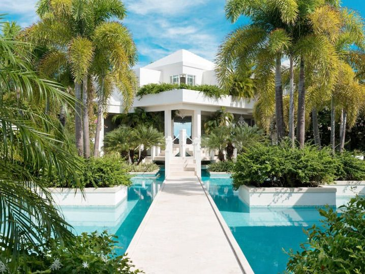 Nicki Minaj Rents Same Turks & Caicos House As Kylie Jenner (PHOTO GALLERY)