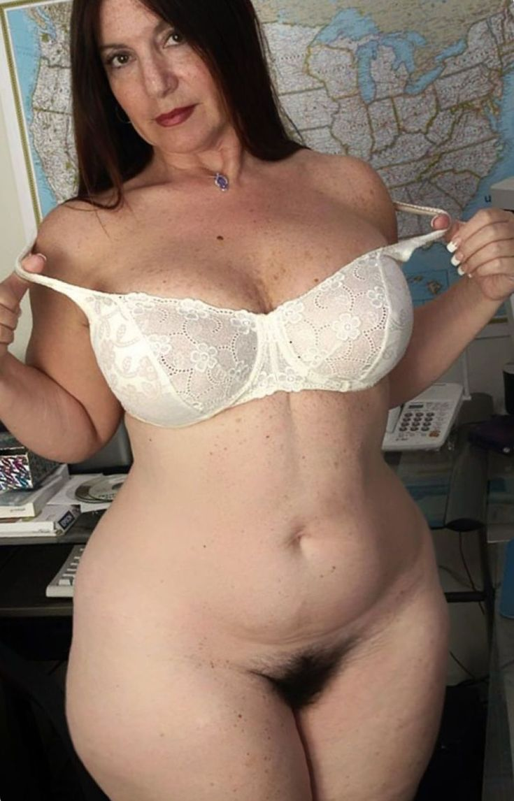 Older Women With Wide Hips