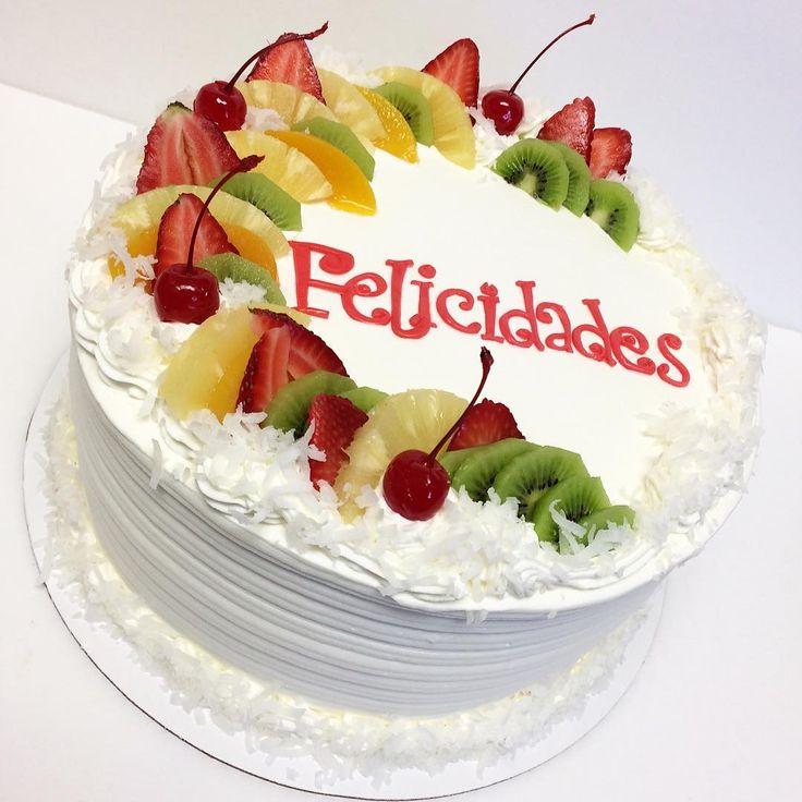 """33 Likes, 1 Comments - Life Is Short 🙃 Eat More Cake🍰 (@groovy_cakes4) on Instagram: """"#pineapplecake #cake #fruits #pineapplefilling #whippedcream #cakestagram #instacake #cakedecorator…"""""""