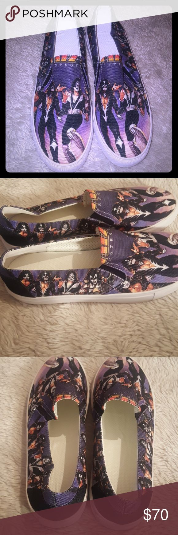 Kiss custom slip ons Brand new custom kiss destroyer slip ons similar to vans womens size 9 Really awesome just too narrow for me. Band Hot topic  Rock Goth.gothic Kiss Hot Topic Shoes