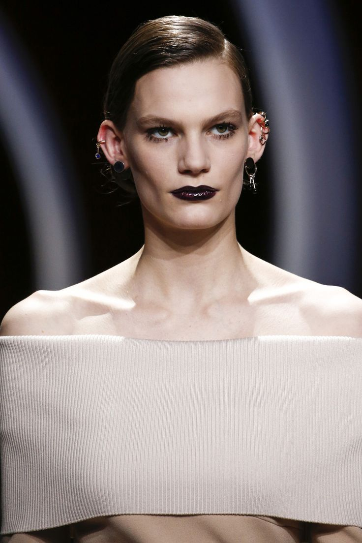ОСЕНЬ-ЗИМА 2016/2017 / READY-TO-WEAR / НЕДЕЛЯ МОДЫ: ПАРИЖ Christian Dior
