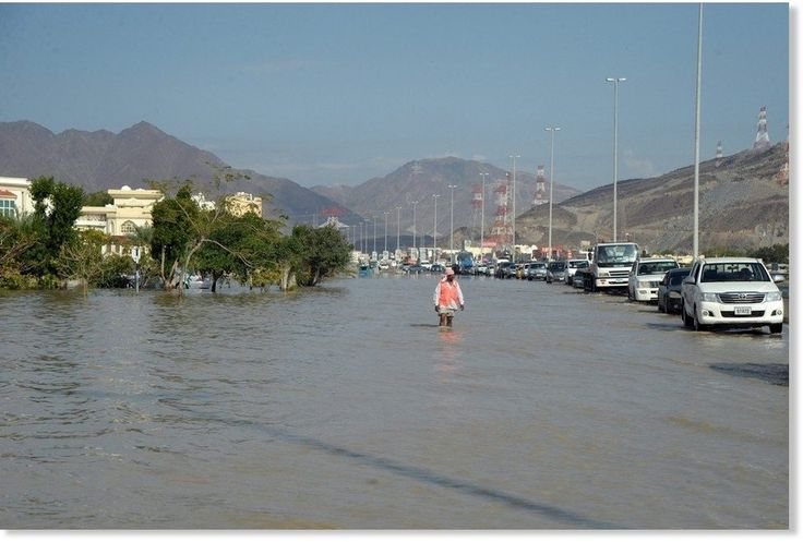 Rain, hail, floods and fog; images of wild weather in the United Arab Emirates -- Sott.net