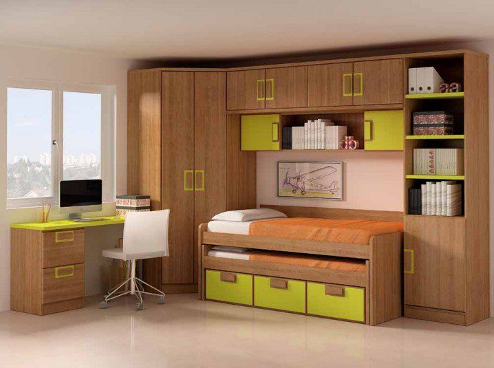 1000 ideas about small teen bedrooms on pinterest teen bedroom bedroom designs for girls and for Space saving solutions for small bedrooms
